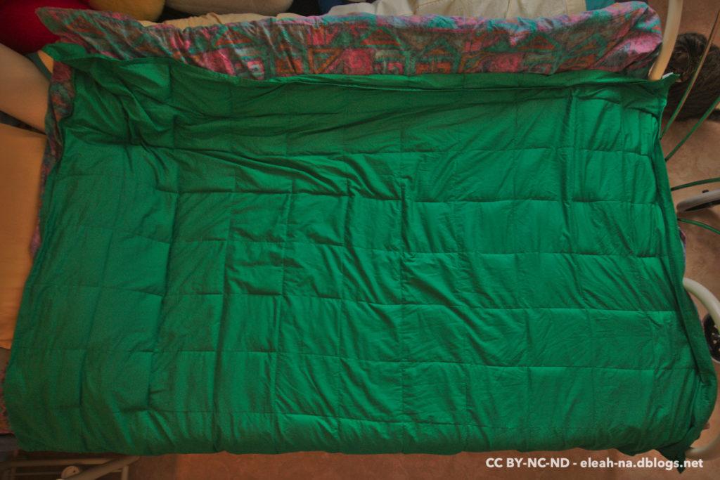 Couverture lestée vert sapin, vue de dessus